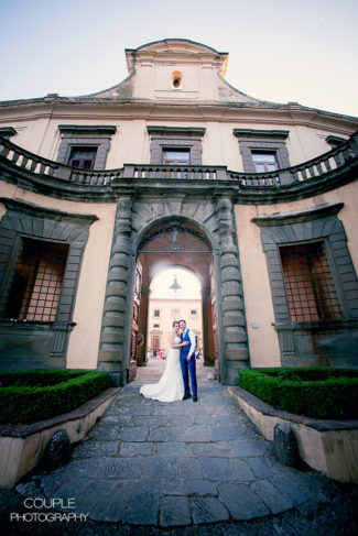 Montegufoni castle, bride and groom