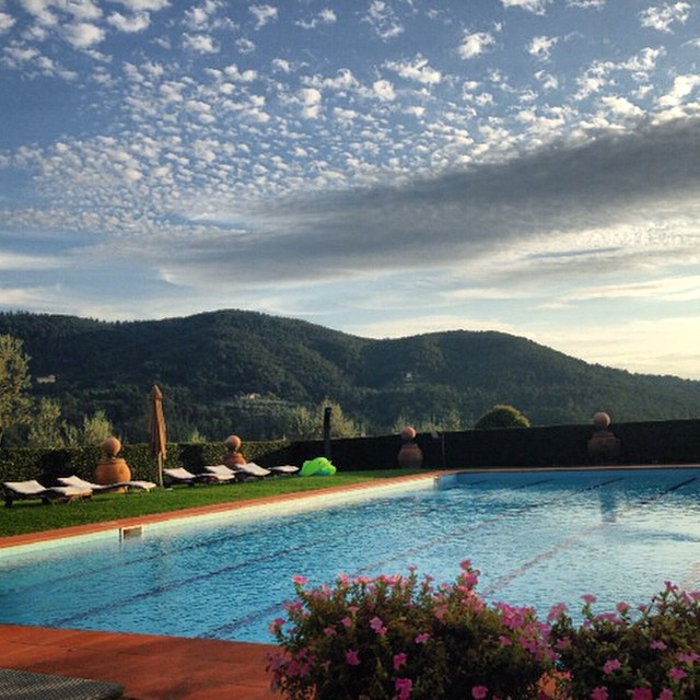 panoramic pool relais near florence 2
